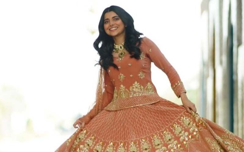 Nimrat Khaira Gets Us In The Wedding Groove In Her Embellished Lehenga, Shares A Pic
