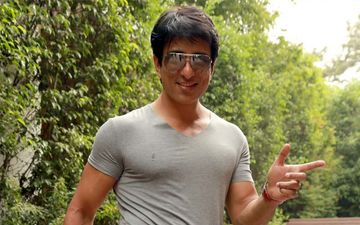 Man Of The Year 2020: Sonu Sood Heals Hearts Of Wounded Souls Struck By COVID-19 Pandemic Crisis