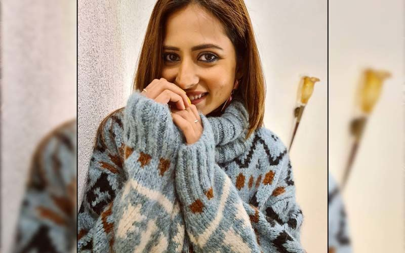 Sargun Mehta Takes Over Winter Fashion In A Cosy Sweater And Shares A Virtual 'Warm Hug' With Fans