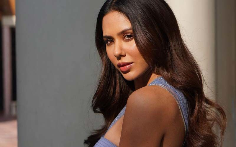 Sonam Bajwa In A Slit Gown Proves That She Is The Ultimate Diva. We Can't Keep Eyes Off Her