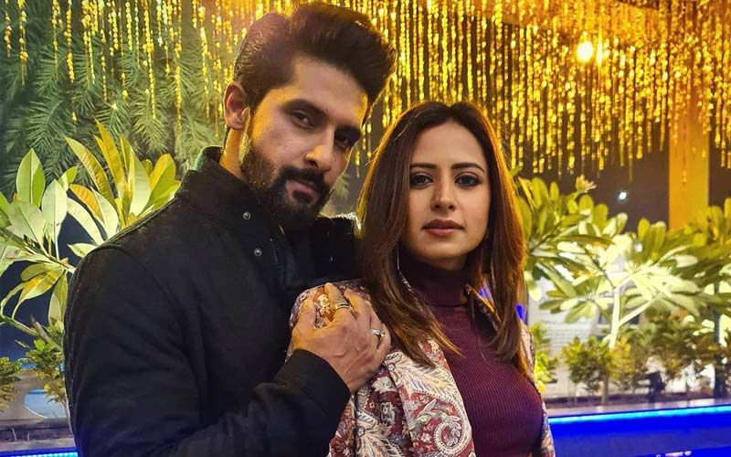 Sargun Mehta And Ravi Dubey Are Taking The Internet By Storm With Their Lovey-Dovey Couple Pictures