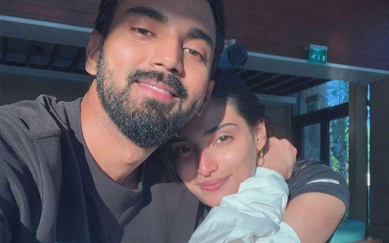 KL Rahul Is Love Struck After Rumoured GF Athiya Shetty Shares Pic From Her Latest Photoshoot; Drops Flirty Comment