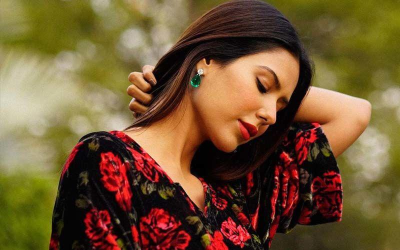 Sonam Bajwa Makes A Chic Case For Dark Florals In Her Latest Insta Pictures; Fans Shower Love