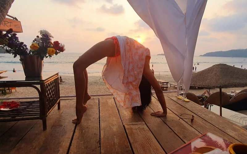 Bigg Boss 14's Kavita Kaushik Performs Complete Backward Bend In Recent Video; Says, 'I Perform This Aasan And Feel Like A Newly Bloomed Flower'