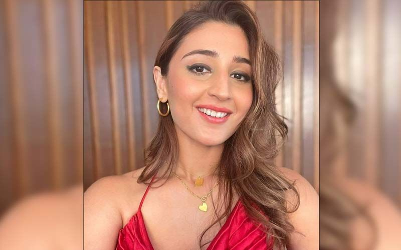 Radha Singer Dhvani Bhanushali Finds Vicky Kaushal 'Really, Really Good Looking' - EXCLUSIVE