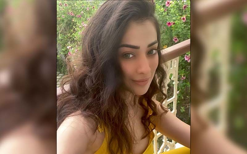 Raai Laxmi Shares A Breathtaking View Of Her Just Out Of The Bed Look