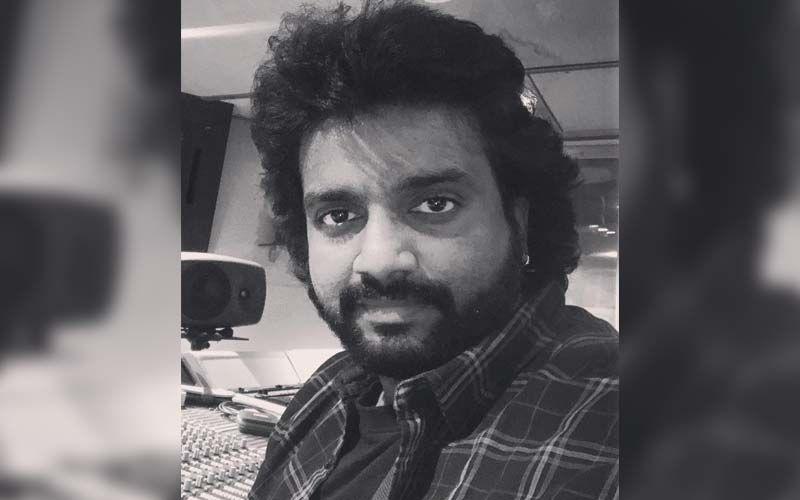 Adarsh Shinde Wins The Mirchi Music Award 2021 For Anandi Gopal