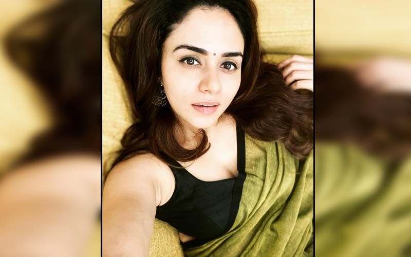 Amruta Khanvilkar Is In A Zen While Looking Steaming Hot In Her Yoga Outfit