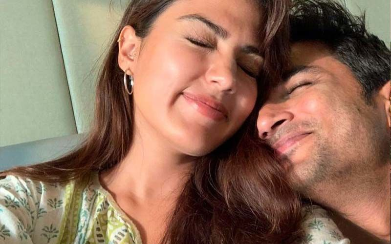 """Rhea Chakraborty's 'Miss You' Note On Sushant Singh Rajput Leaves Industry Teary-Eyed: """"This Is A Woman In Love"""""""