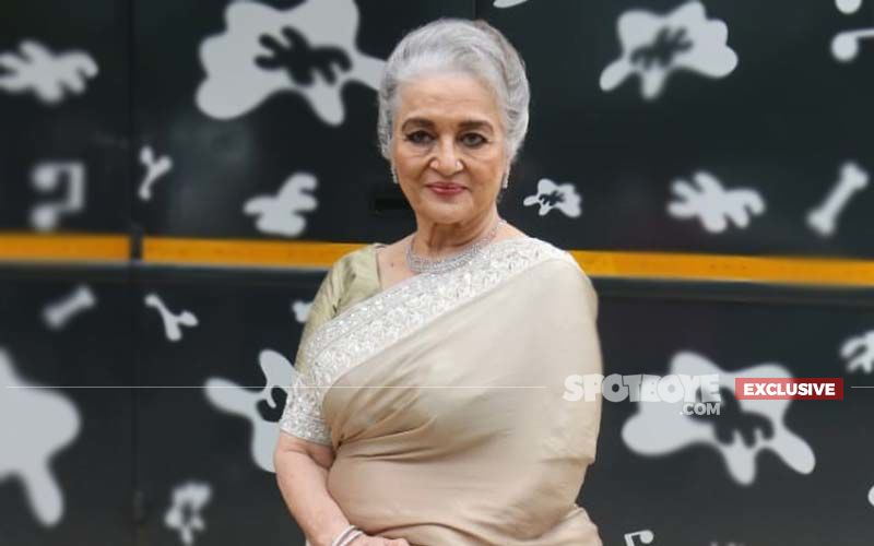 Asha Parekh Shares Important Advice Amid COVID-19 Lockdown: 'Stay Indoors, Sleep, Watch Films, Eat What You Like, Though In The Right Proportions'-EXCLUSIVE