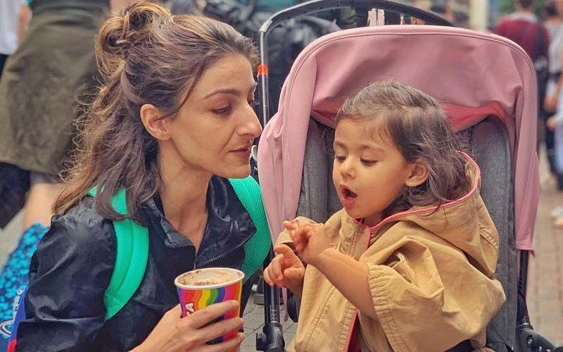 Soha Ali Khan Fashionably Twinning With Her Baby Inaaya- Twinning And Winning!