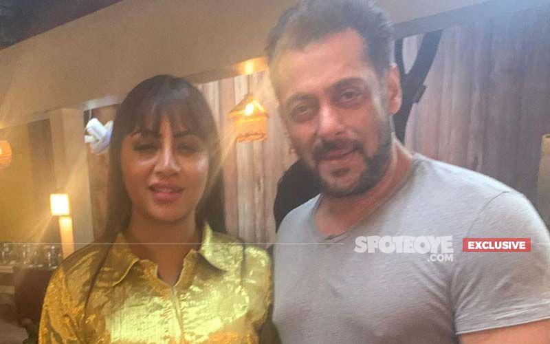 Bigg Boss Fame Arshi Khan Says, 'Salman Khan Is My Childhood Crush, While Performing Namaz I Used To Pray Mera Nikaah Salman Sahab Se Hojaye'- EXCLUSIVE
