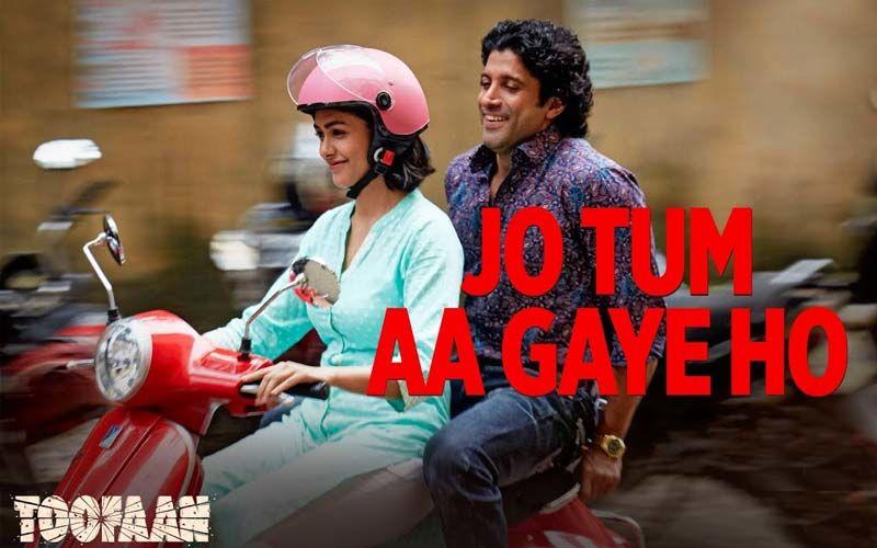 Toofaan Song Jo Tum Aa Gaye Ho: Witness Farhan Akhtar And Mrunal Thakur's Lively Romance; Watch