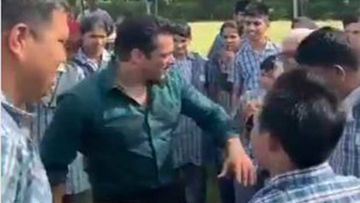 Dabangg 3: Salman Khan And Sonakshi Sinha Dance With Special Children Of Umang Foundation In Udaipur