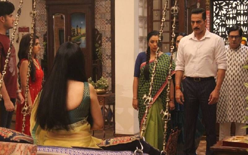 Anupamaa Spoiler Alert: Anuj Has A Surprise For Anupamaa; Rakhi Dave Vows To Seek Revenge From The Shahs