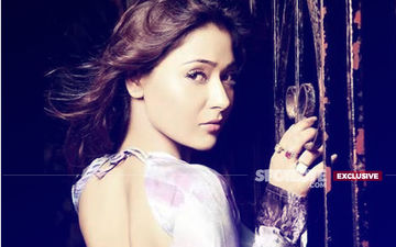 Bigg Boss Ex-Contestant Sara Khan Gets Slapped With A Legal Notice