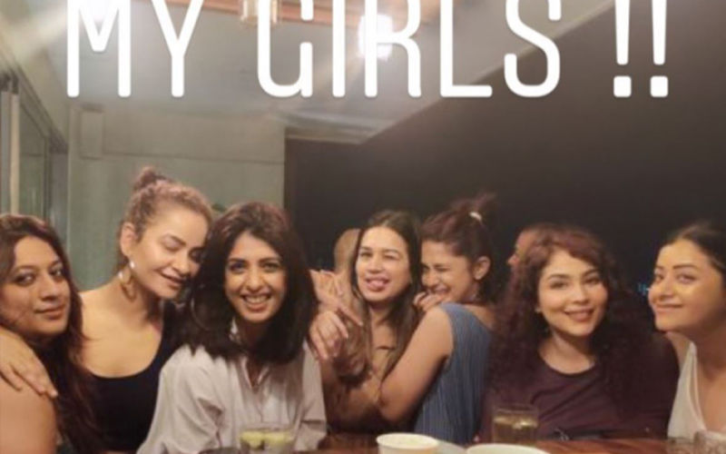 Jennifer Winget's Girls Night Out; Actress Lives It Up With Her Buddies Before Starting Shoot On Beyhadh 2