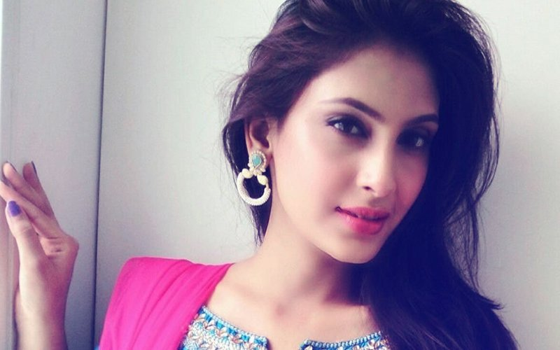 Shocking! TV Actress Reena Aggarwal Bitten By Dog On Her Face
