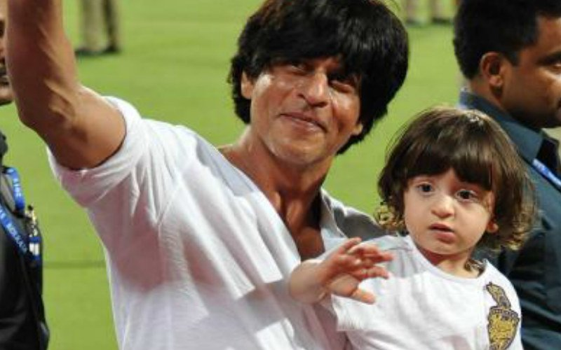 Shah Rukh Khan-AbRam Party On The Streets Of Lisbon