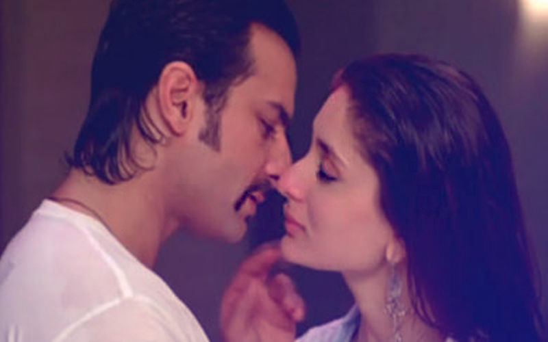 Did You Know? Kareena Kapoor Refuses To Kiss Saif Ali Khan Nowadays