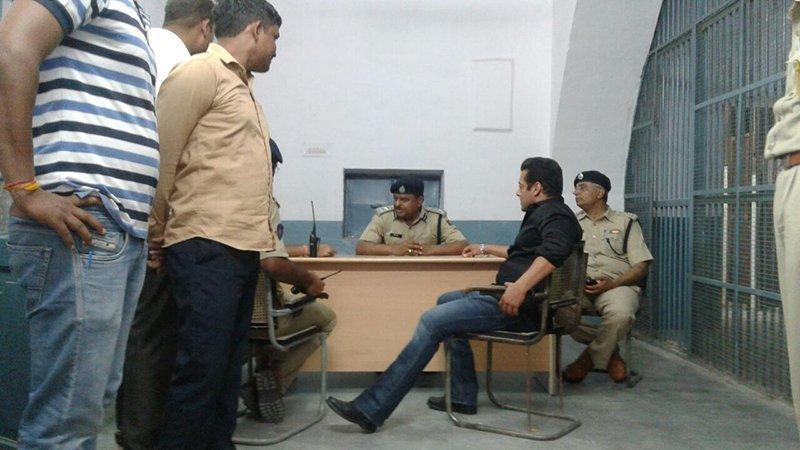 Salman Khan At Jodhpur Police Station