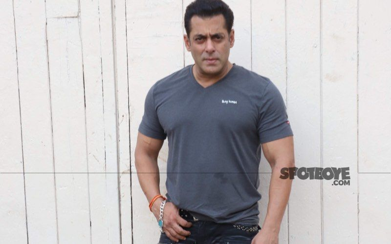 Salman Khan To Miss Family's Annual Ganesh Chaturthi Celebrations This Year; Actor Can't Break Bio-Bubble For Tiger 3 Shoot: Report