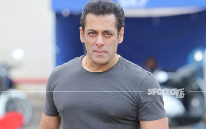 Salman Khan Gives A Sneak Peek Of His Outdoor Gym In Latest VIDEO; Fans Can't Stop Drooling Over His Biceps