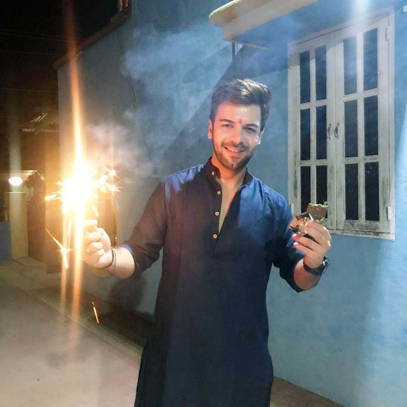 Sanjay Gagnani Celebrates Diwali With Firecrackers And Chocolates