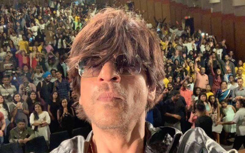 Annoyed Shah Rukh Khan Awaits Announcement Of His Next Film/Show, This New Ad Is Truly Hilarious; WATCH
