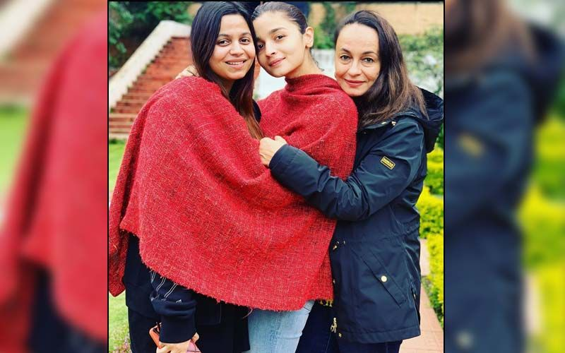 Soni Razdan Treats Fans With A Throwback Vacay Picture Featuring Daughters Alia Bhatt And Shaheen Bhatt; Calls Them Her 'World'