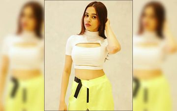 Shalmali Unleashes Her Hotness In This Neon Look