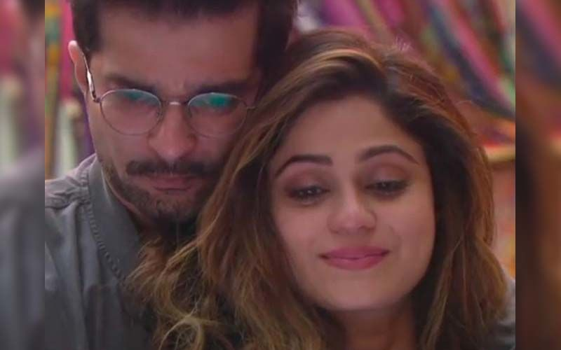 Bigg Boss OTT: Raqesh Bapat And Shamita Shetty Make Up With A Hug After A Huge Fight; Actor Leaves The Latter Blushing With A 'Kiss' Offer