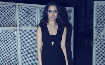 हॉट ब्लैक ड्रेस पहन फिल्म स्त्री को अनोखे अंदाज में प्रमोट किया श्रद्धा कपूर ने, देखिए तस्वीरें