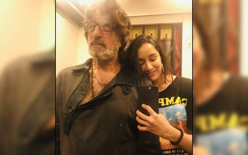 Shakti Kapoor Birthday: Shraddha Kapoor Drops A Cool Selfie With Her 'Baapu'; Father-Daughter Duo Twin In Black