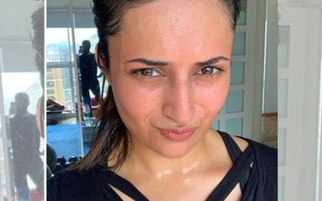 Divyanka Tripathi Records Video While Schooling A Man For Polluting Ocean By Throwing Pooja Material - WATCH