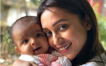 'Masi' Mimi Chakraborty Shares Picture With Her Newborn Niece, Says 'Can't Believe'