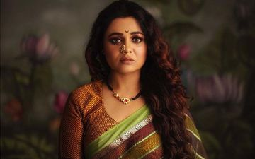 Prarthana Behere Looks Stunning In Traditional Marathi Look