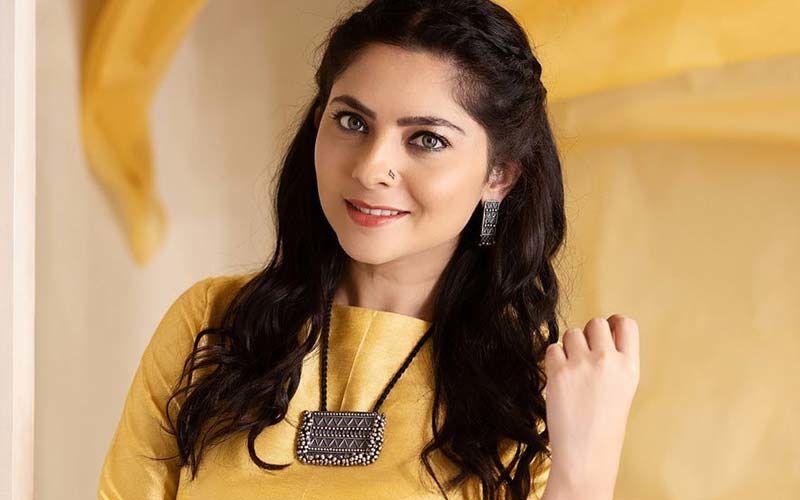 'Dhurala': Sonalee Kulkarni's Mesmerising Yellow Outfit For Character Shoot Of 'Monika' Is Breaking The Internet Today
