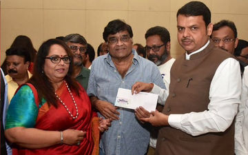 Team 'Vacuum Cleaner' Nirmiti Sawant and Ashok Saraf Donate For CM Relief Fund 2019 To Support Kolhapur Flood Victims
