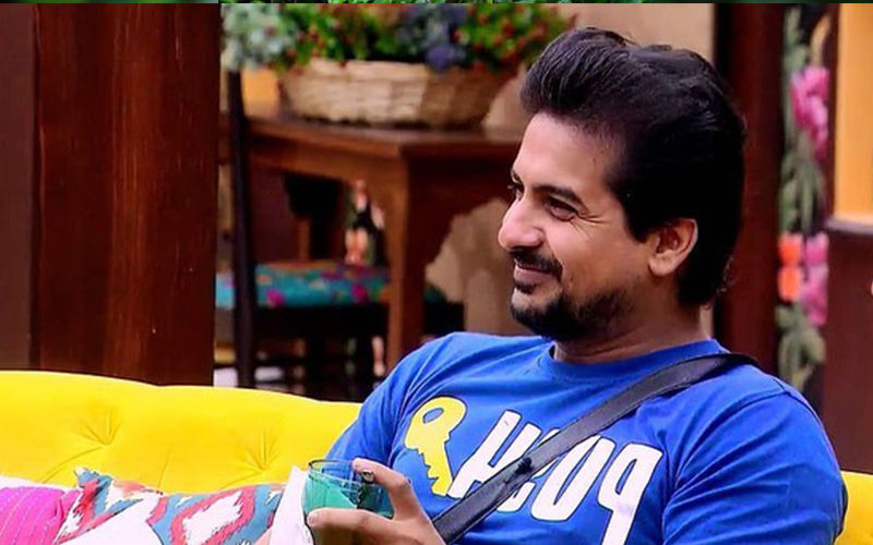 Bigg Boss Marathi Fame Pushkar Jog All Set To Host 'Sur Nava Dhyas Nava' Auditions
