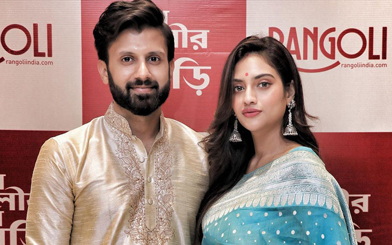 Nusrat Jahan And Nikhil Jain Makes For A Picture Perfect Couple In This New Pic