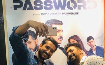 Actor Dev And Parambrata Pose For A 'Barabar Ka Khiladi' Selfie, Shares On Twitter
