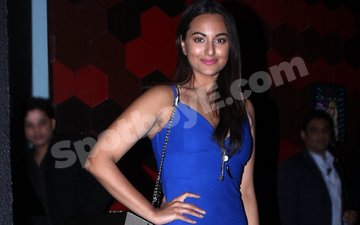 What Kept Sonakshi Sinha Busy Last Night?