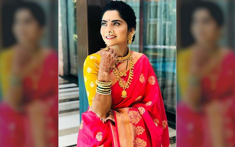 We Bet You Will Love Sonalee Kulkarni's Adorable Newlywed Look In This New Commercial