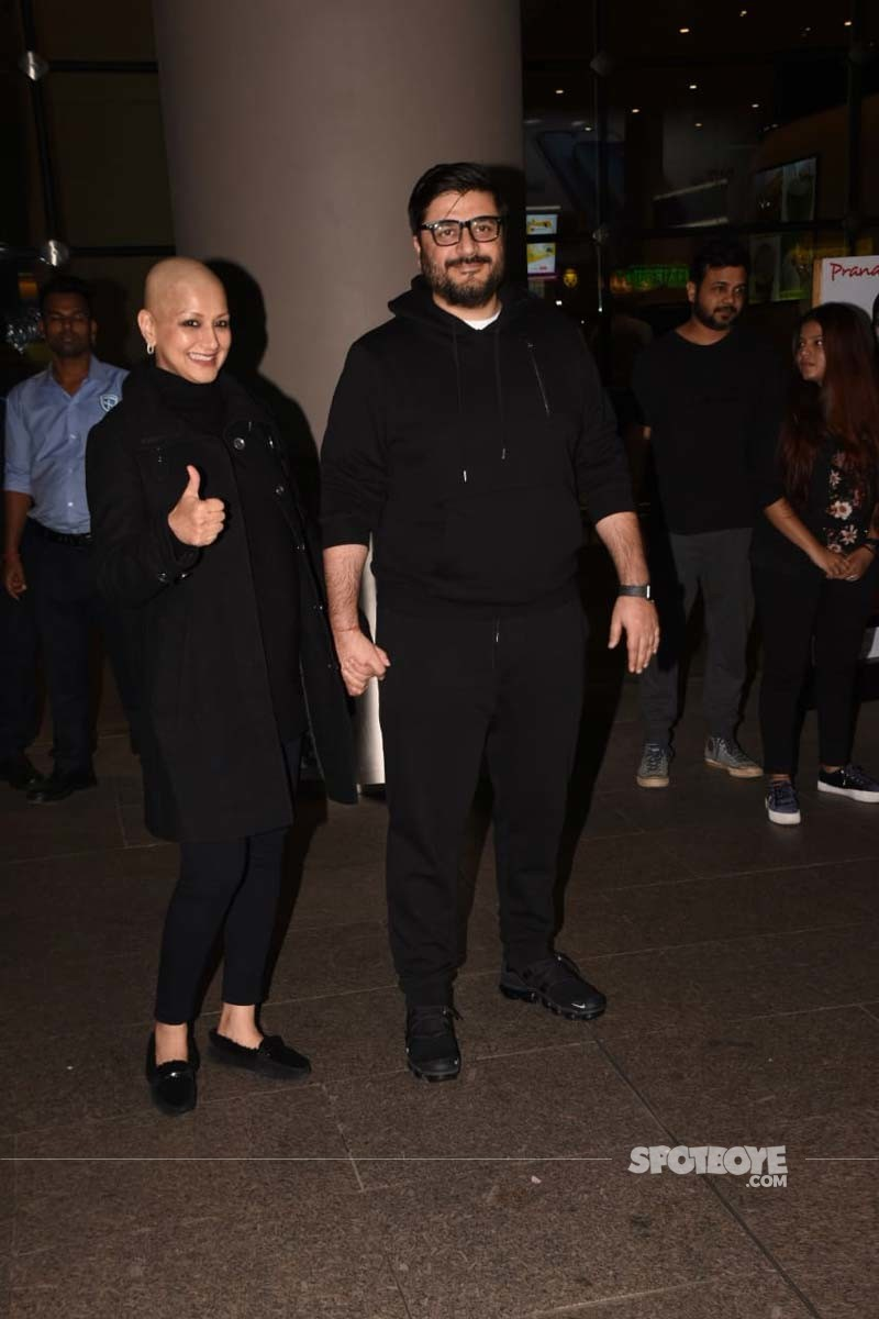 Sonali Bendre And Goldie Behl At Mumbai Airport