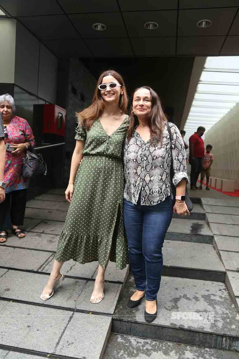 Alia Bhatt and mom Soni Razdan