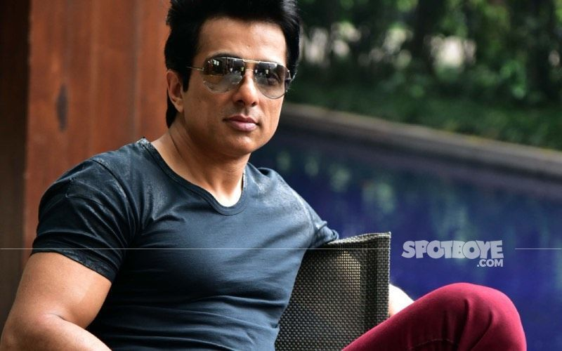Sonu Sood Looks Fit And Fine As He's Spotted At Airport Post COVID Recovery; Actor Politely Obliges For A Selfie With Flight Attendant- VIDEO