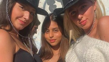 Shah Rukh Khan's Daughter Suhana Khan Looks Like A Doll In Her Latest Sun-Soaked Selfie