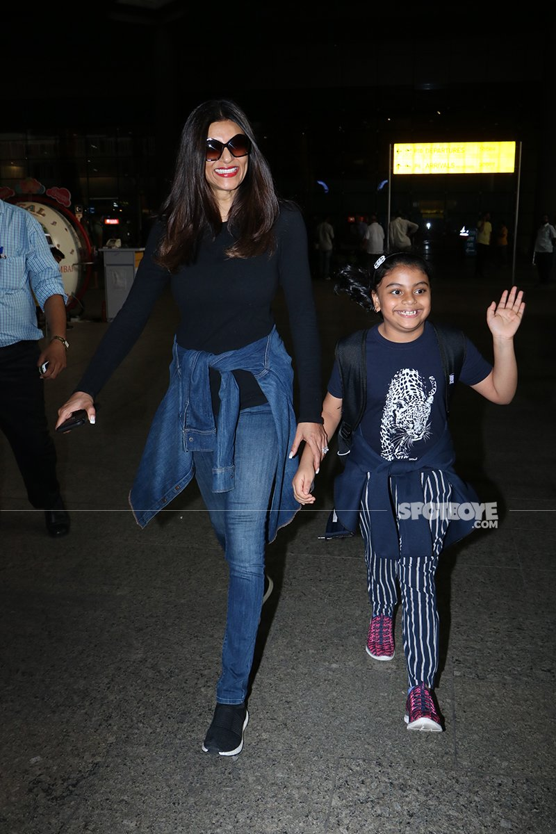 Sushmita Sen With Her Daughter Outside The Airport