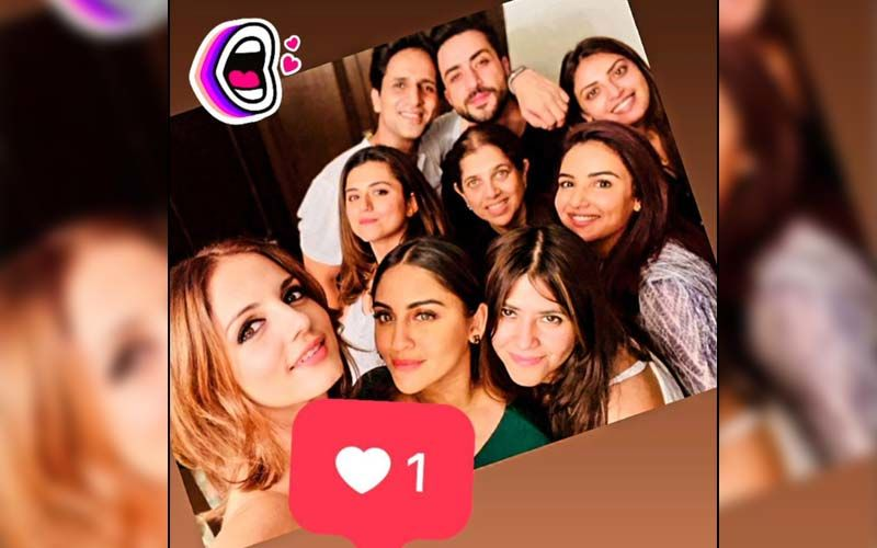 Hrithik Roshan's Ex-Wife Sussanne Khan Shares Picture With Rumoured Boyfriend And Aly Goni's Brother Arslan Goni; Don't Miss Aly And Jasmin Bhasin In The Pic